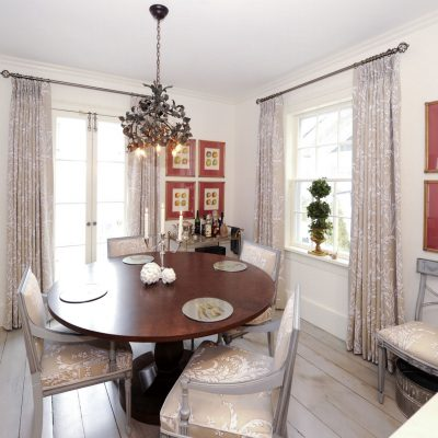 NOTL - Small dining area
